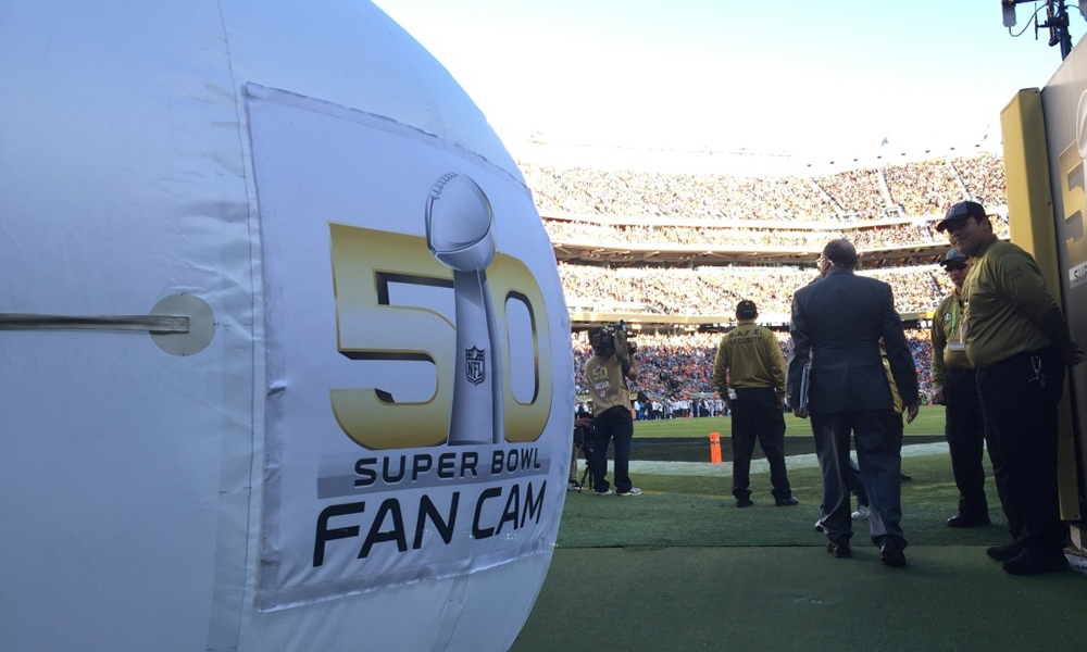 fans-cam, giant helium balloon with camera, fan-cam, fans-cam rent, fans-cam price, fans-cam production, sponsorship activation, innovative sponsorship activation, best sponsorship activation, technological sponsorship activation, stadium activation, 3e60
