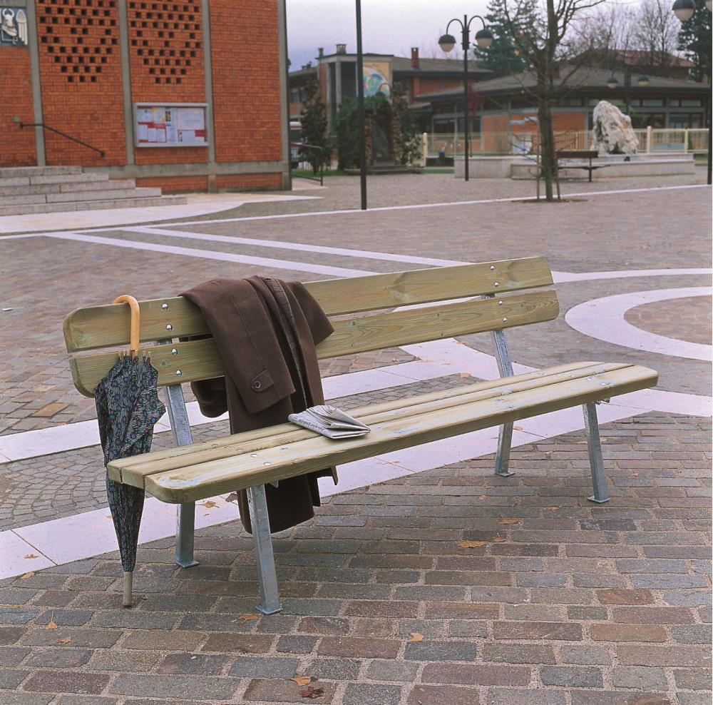 Giochi arredi outdoor arredo urbano e giardino panchine for Arredo urbano torino