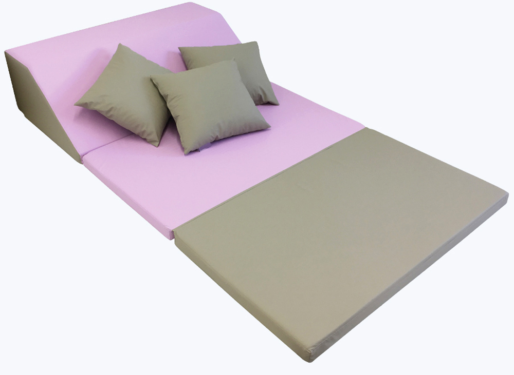 Folding Relax Bed Complete With Pillows